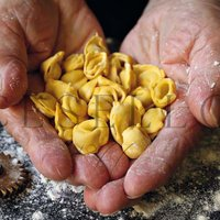 Cappelletti da Brodo  -  Cappelletti for Consomme' Featured Image